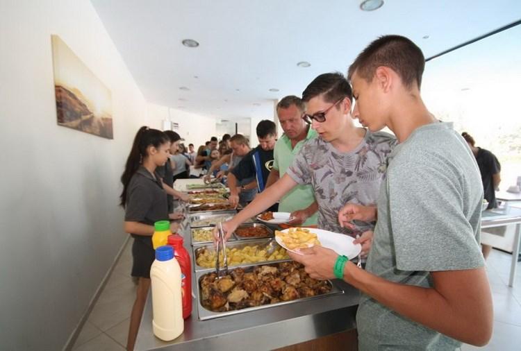 11 - Детский  и молодежный отдых в  Болгарии